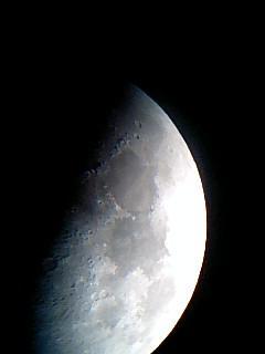 小潮の月の画像