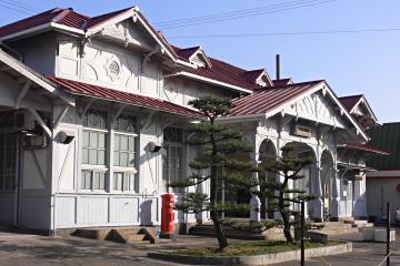 浜寺公園駅横からの画像