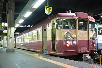 475系電車A19編成の写真