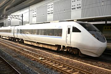 681系電車T18編成の写真