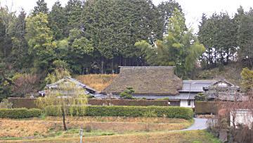 伊賀市の茅葺民家の写真