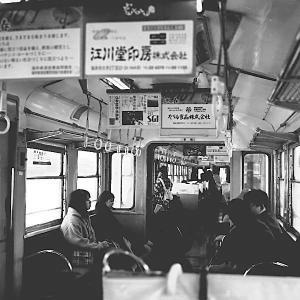 福井鉄道車内にて(6×6)の写真