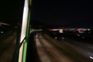 "夜汽車の写真"""