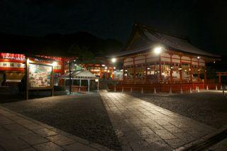 伏見稲荷の夜景の写真